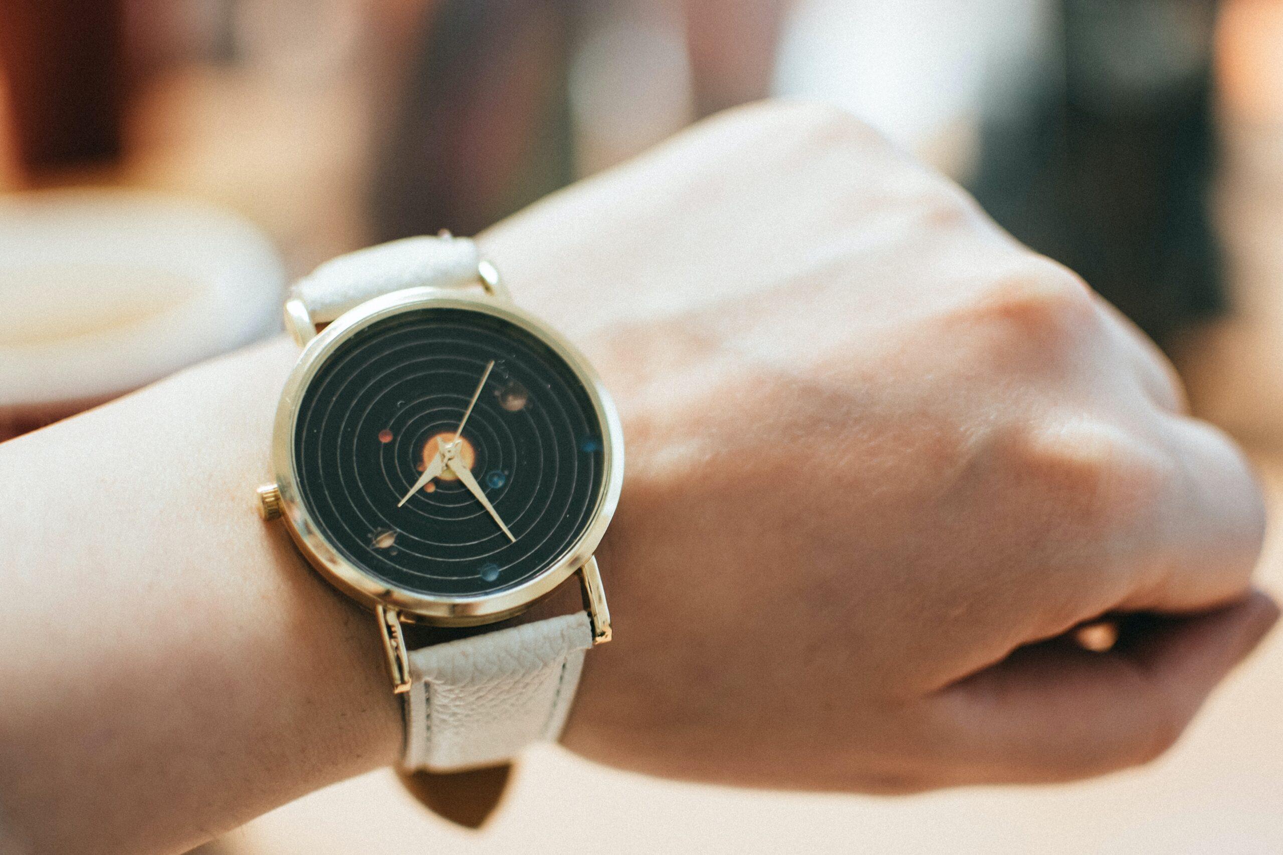 You are currently viewing Zeitlos elegant -Die passende Uhr für Ihren Typ